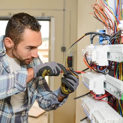coordinamento persone manutenzioni impianti   manutenzione